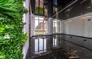 Сдается в аренду объект сферы услуг 65 кв. м в 25-этажном здании