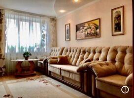 Продается 4-комнатная квартира 56 кв. м в Хмельницком
