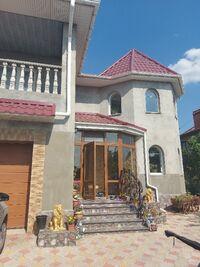Продається будинок 2 поверховий 244 кв. м с басейном