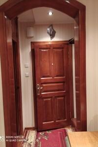 Продается 4-комнатная квартира 84 кв. м в Хмельницком