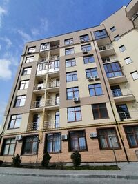 Продається 2-кімнатна квартира 72 кв. м у Одесі