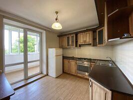 Продается 2-комнатная квартира 57.3 кв. м в Ивано-Франковске