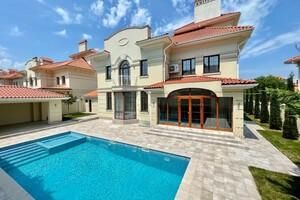 Продається будинок 3 поверховий 446 кв. м з гаражем