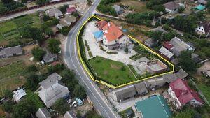 Продается дом на 3 этажа 484 кв. м с участком