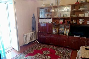 Продається 2-кімнатна квартира 42.4 кв. м у Макарові