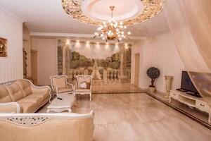Продается 4-комнатная квартира 160 кв. м в Одессе