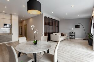 Сдается в аренду 1-комнатная квартира 77 кв. м в Киеве