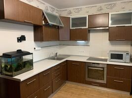 Продается 2-комнатная квартира 73.2 кв. м в Киеве