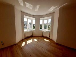 Продається 2-кімнатна квартира 71.2 кв. м у Тернополі