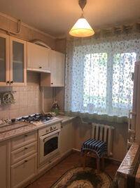 Продається 1-кімнатна квартира 38 кв. м у Полтаві