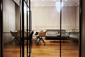 Продається будинок 3 поверховий 300 кв. м з ділянкою