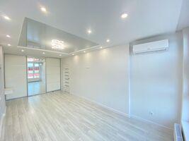 Продается 1-комнатная квартира 45.1 кв. м в Ивано-Франковске