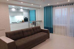 Продается 3-комнатная квартира 67 кв. м в Хмельницком