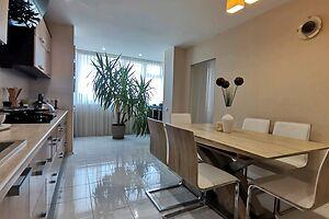 Продається 3-кімнатна квартира 113 кв. м у Хмельницькому