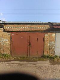 Продається місце в гаражному кооперативі під легкове авто на 28.8 кв. м