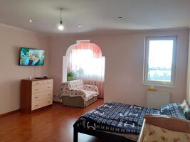 Продается 2-комнатная квартира 79 кв. м в Ивано-Франковске