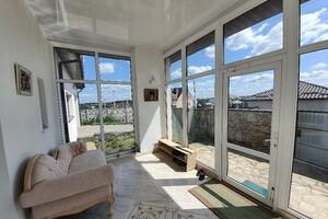 Продается одноэтажный дом 205 кв. м с балконом
