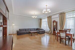 Здається в оренду 4-кімнатна квартира 240 кв. м у Києві