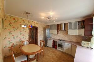 Сдается в аренду 3-комнатная квартира 96 кв. м в Хмельницком