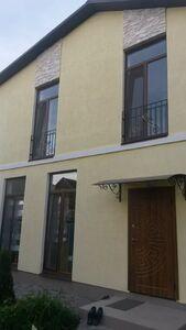 Продається будинок 2 поверховий 130 кв. м з бесідкою