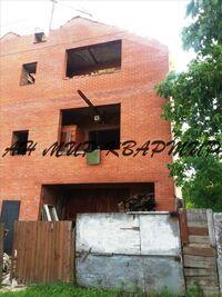 Продается дом на 2 этажа 285 кв. м с бассейном