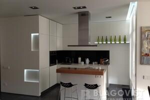 Продается 2-комнатная квартира 85 кв. м в Киеве