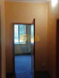 Сдается в аренду офис 36 кв. м в нежилом помещении в жилом доме