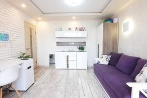 Продается 3-комнатная квартира 71.4 кв. м в Виннице