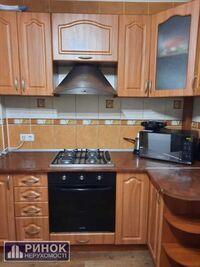 Продається 2-кімнатна квартира 64 кв. м у Полтаві