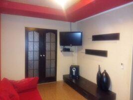 Продается 3-комнатная квартира 60 кв. м в Мариуполе