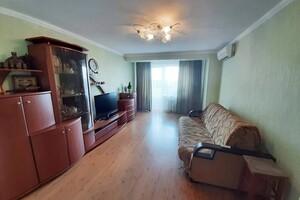 Продается 3-комнатная квартира 80.1 кв. м в Киеве