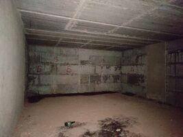 Продается нежилое помещение в жилом доме 87.9 кв. м в 6-этажном здании