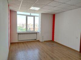 Здається в оренду офіс 52.6 кв. м в бізнес-центрі