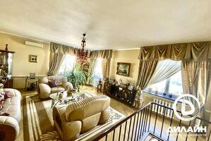 Продается дом на 2 этажа 225 кв. м с мансардой