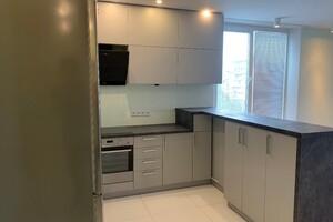 Продается 1-комнатная квартира 39.8 кв. м в Киеве
