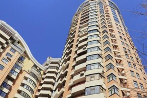 Продается 3-комнатная квартира 135 кв. м в Киеве
