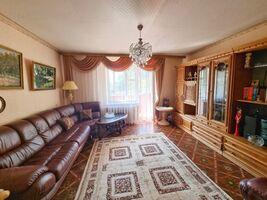 Продается 4-комнатная квартира 80 кв. м в Черкассах
