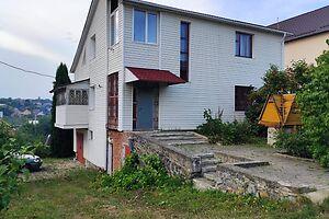 Продается дом на 2 этажа 240 кв. м с баней/сауной