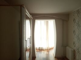 Продается 3-комнатная квартира 61 кв. м в Херсоне