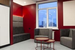 Продается офис 215 кв. м в нежилом помещении в жилом доме