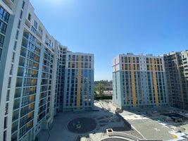 Продается 4-комнатная квартира 107.4 кв. м в Львове