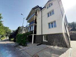 Продається 3-кімнатна квартира 86.2 кв. м у Тернополі