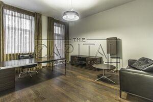 Продается офис 66 кв. м в нежилом помещении в жилом доме