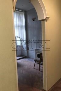 Продается 3-комнатная квартира 179 кв. м в Киеве