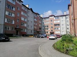 Продається 3-кімнатна квартира 72 кв. м у Тернополі