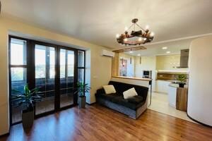 Продается 3-комнатная квартира 118 кв. м в Черкассах