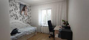 Продается 3-комнатная квартира 65 кв. м в Чернигове