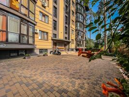 Продается 2-комнатная квартира 78 кв. м в Ирпене