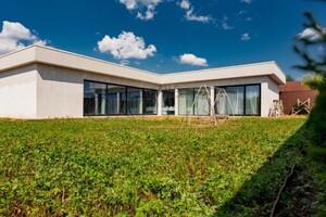 Продается одноэтажный дом 290 кв. м с мансардой