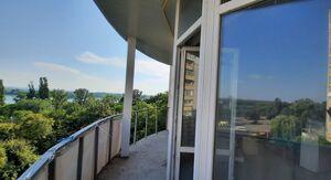 Продається 2-кімнатна квартира 95 кв. м у Кременчуку